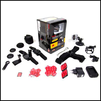 Jede Menge Zubehör wird beim Mieten der Kodak PixPro SP360 4K mitgeliefert.